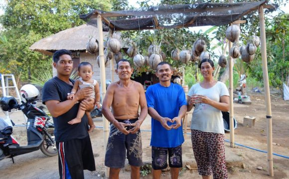 В деревне глухих на Бали все